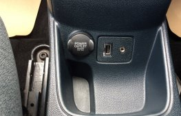 Ford Fiesta 1.25 Zetec 5dr power sockets
