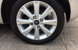 Ford Fiesta 1.25 Zetec 5dr wheel